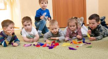 stoit-li-trehletnih-detej-otdavat-v-razvivajushhie-centry-3